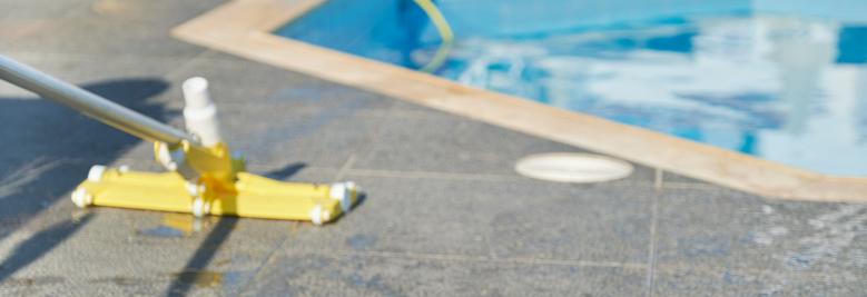 Servizi di manutenzione straordinaria della piscina